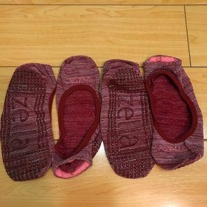 Zella grip/studio socks